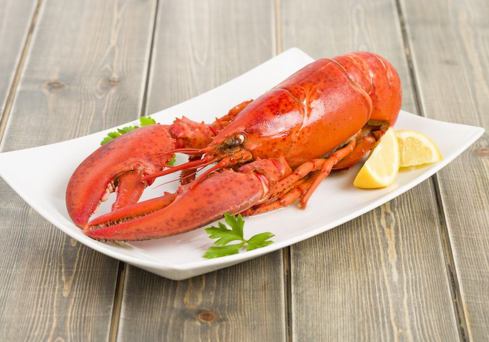 cooked-lobster-with-lemon